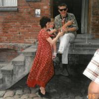 1995_kieme_prie_Bohemos_Daiva_ir_Sigitas_Nekrosiai.jpg